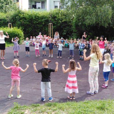 11 Společný tanec